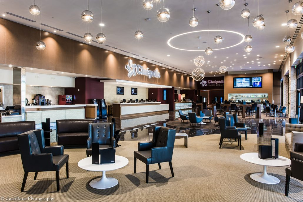 Lobby Cinepolis Luxury Theater